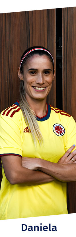 Daniela Montoya, jugadora de la FCF con la camiseta oficial FCF 2021, más productos de la jugadora.